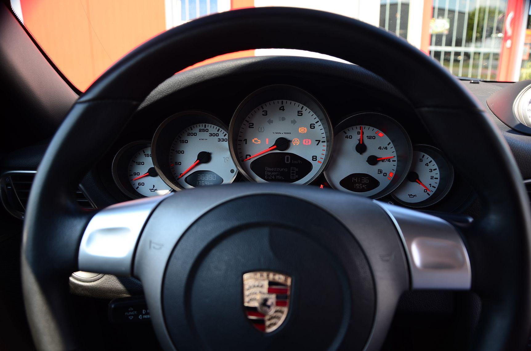 Porsche 911 997 RSR 7